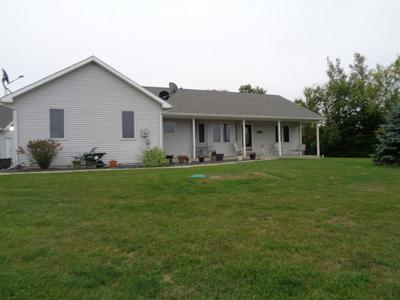 2116 E WAITS RD, Kendallville, IN 46755 - Photo 2