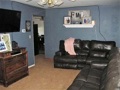 22 E JUDSON ST, Bloomfield, IN 47424 - Photo 2