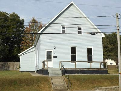 216 N CHESTNUT ST, Huntingburg, IN 47542 - Photo 1
