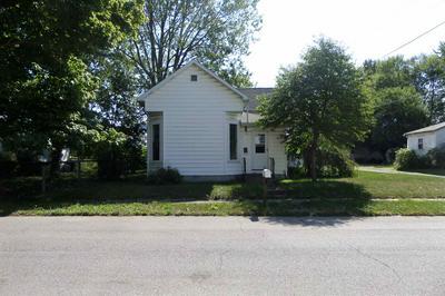 514 N CHERRY ST, Hartford City, IN 47348 - Photo 1
