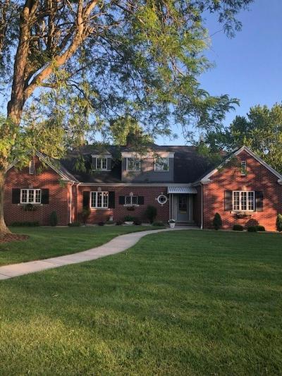 103 W DIAMOND ST, Kendallville, IN 46755 - Photo 2