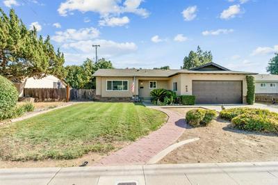 645 W PARADISE AVE, Visalia, CA 93277 - Photo 2