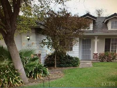 877 E JULIA WAY, Hanford, CA 93230 - Photo 2