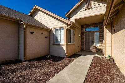 562 W WHITE OAK DR, Hanford, CA 93230 - Photo 2