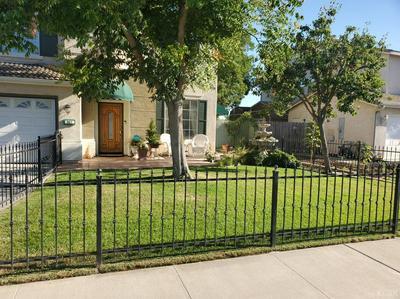 967 W WINDSOR DR, Hanford, CA 93230 - Photo 2