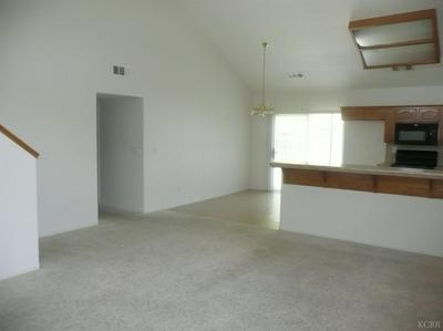 1140 W 7TH ST, Hanford, CA 93230 - Photo 2