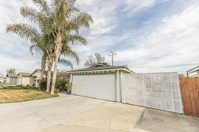 1135 LINCOLNWOOD CIR, Hanford, CA 93230 - Photo 2