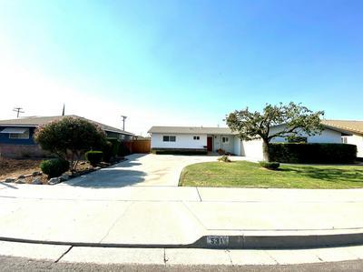 531 N NEWTON DR, Dinuba, CA 93618 - Photo 2