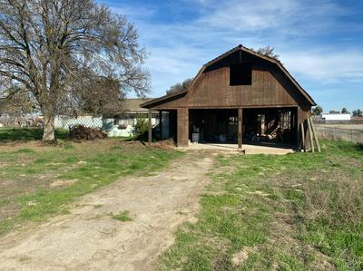 13541 17TH AVE, Lemoore, CA 93245 - Photo 2