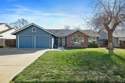417 PALM CIR, Hanford, CA 93230 - Photo 1