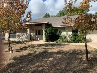 105 GREEN TREE LN, Kerrville, TX 78028 - Photo 1