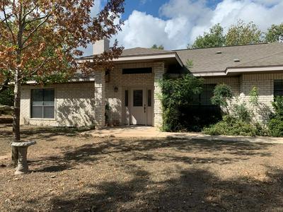 105 GREEN TREE LN, Kerrville, TX 78028 - Photo 2