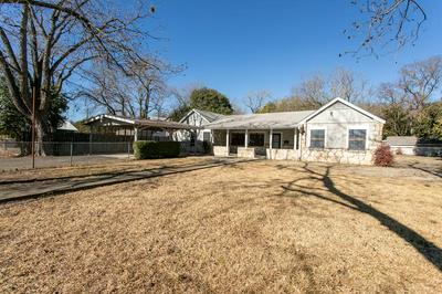 420 G ST, Kerrville, TX 78028 - Photo 1