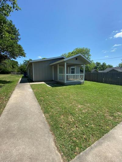 705 BEECH ST, Kerrville, TX 78028 - Photo 1