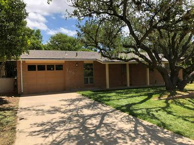 105 BAILEY JO DR S, Kerrville, TX 78028 - Photo 1