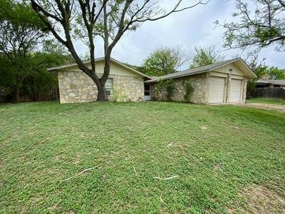 1519 NIXON LN, Kerrville, TX 78028 - Photo 2