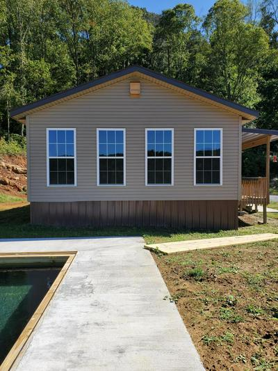 879 LEE VALLEY RD, Whitesburg, TN 37891 - Photo 2