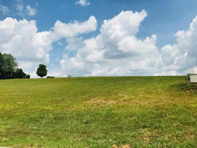 210 BEACON CT, Lenoir City, TN 37772 - Photo 2
