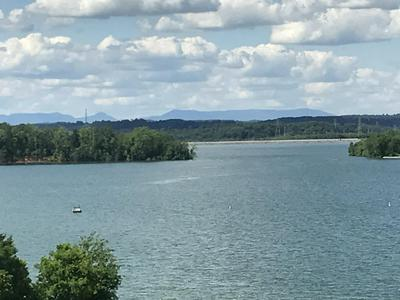 555 CYPRESS POINT DR, Lenoir City, TN 37772 - Photo 2