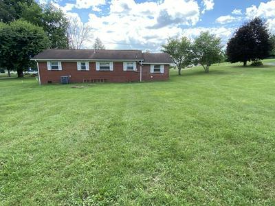135 RICHMOND ST, Jonesville, VA 24263 - Photo 2