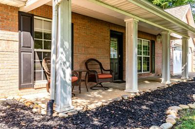 208 WESTWOOD DR, MARYVILLE, TN 37803 - Photo 2