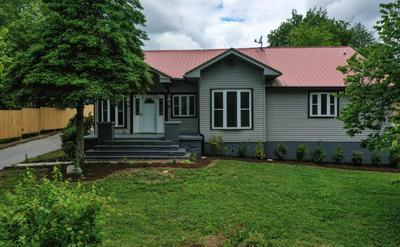 800 HENDRICKSON ST, Clinton, TN 37716 - Photo 1