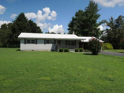 211 PORTLAND AVE, Allardt, TN 38504 - Photo 2