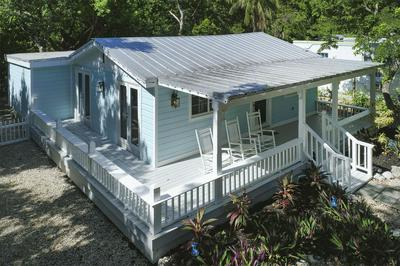 168 SUNRISE DR, Tavernier, FL 33070 - Photo 2