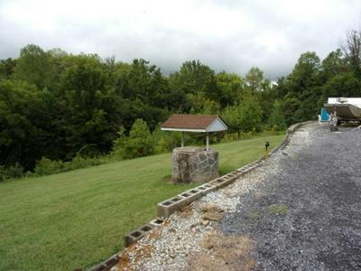 105 HUNTING WOODS RD, Newport, TN 37821 - Photo 2