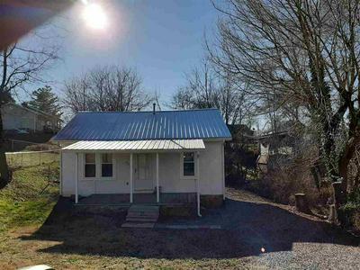645 8TH ST, NEWPORT, TN 37821 - Photo 2