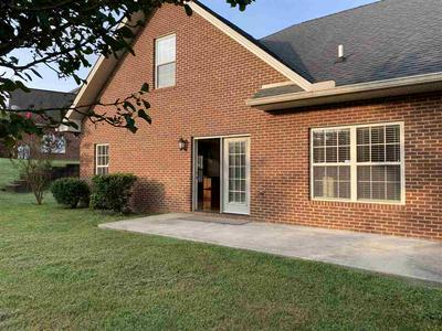 560 KENSINGTON DR, Morristown, TN 37814 - Photo 2