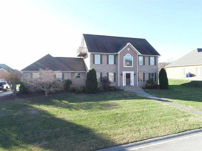 501 BERKELEY DR, Morristown, TN 37814 - Photo 2