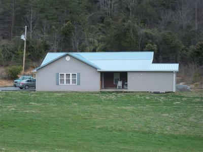 758 LITTLE PUMPKIN VALLEY RD, Eidson, TN 37731 - Photo 1