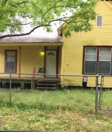 117 PERSIMMON AVE, Lufkin, TX 75904 - Photo 1