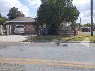 2701 E ASH ST, LAREDO, TX 78043 - Photo 1