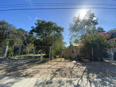 2805 CHIHUAHUA ST, Laredo, TX 78043 - Photo 1
