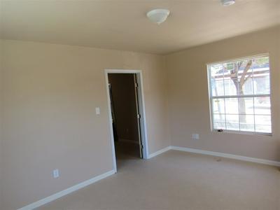 310 GRANT ST, LAREDO, TX 78040 - Photo 2
