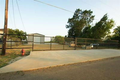 107 LAKESHORE ST, ZAPATA, TX 78076 - Photo 1
