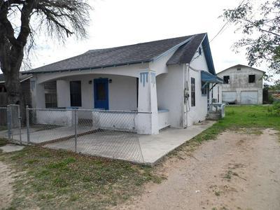 607 E NORTH ST, Hebbronville, TX 78361 - Photo 2