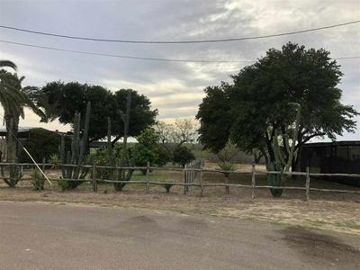 238 RETAMA ST, ZAPATA, TX 78076 - Photo 2