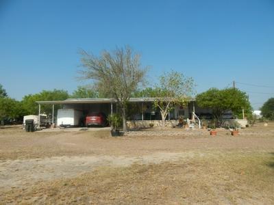 205 EAGLE ST, Zapata, TX 78076 - Photo 2