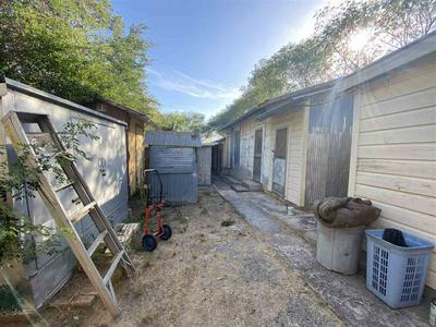2805 CHIHUAHUA ST, Laredo, TX 78043 - Photo 2