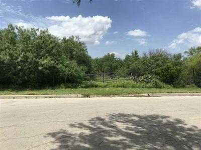 N 17TH ST, CARRIZO SPRINGS, TX 78834 - Photo 1