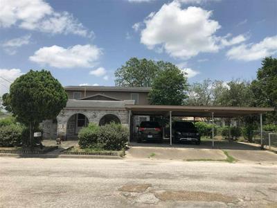 105 N KAREN ST, Hebbronville, TX 78361 - Photo 2