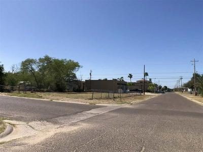 909 GLENN ST, ZAPATA, TX 78076 - Photo 1