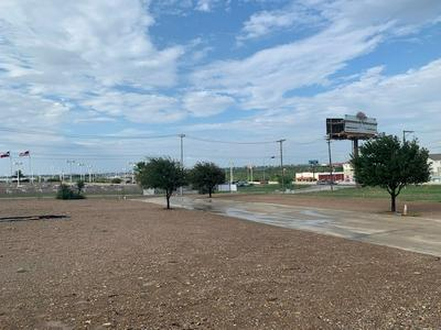 4257 DOREL DR, Laredo, TX 78043 - Photo 2