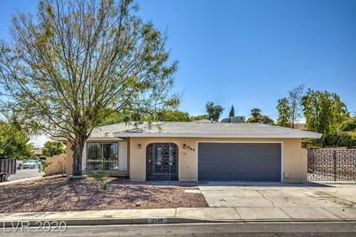 2549 CARRUTH CT, Las Vegas, NV 89121 - Photo 2