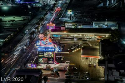 2700 LAS VEGAS BLVD S UNIT 3301, Las Vegas, NV 89109 - Photo 2
