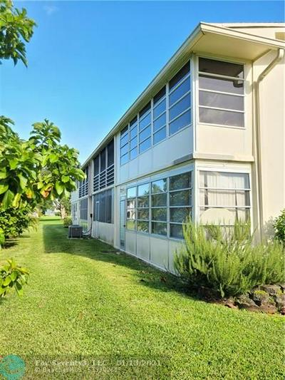 316 MARKHAM O # 316, Deerfield Beach, FL 33442 - Photo 2
