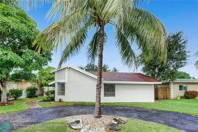 8221 SW 3RD CT, North Lauderdale, FL 33068 - Photo 2